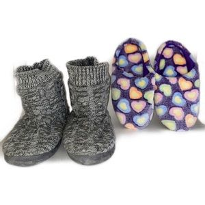 2/$20🛍️2pc bundle of kids boots and slippers